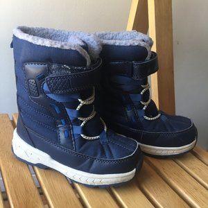 Carter's Snow Boots (2-4yo Size 9)